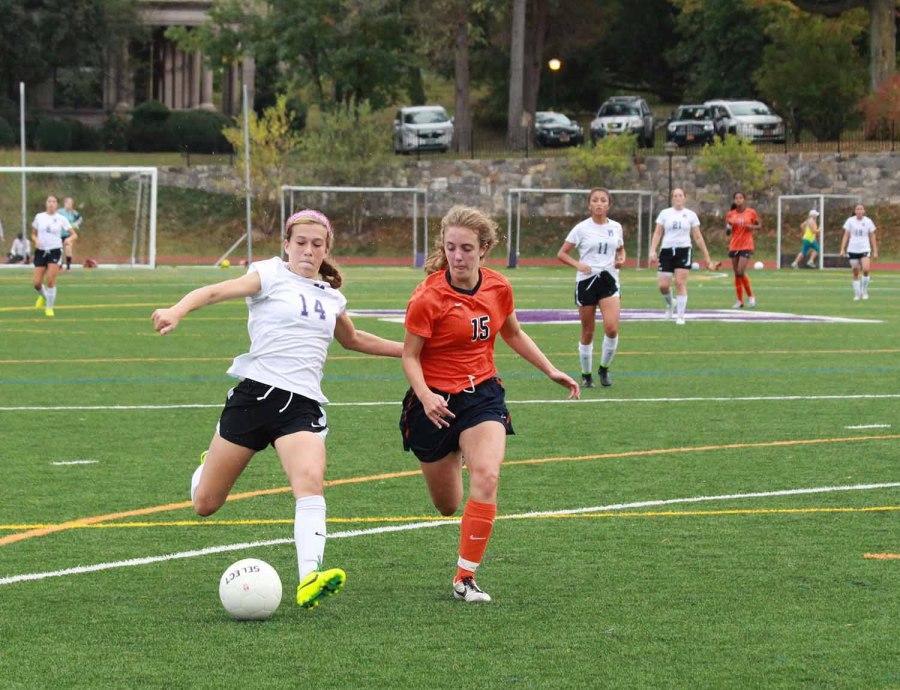 Girls+varsity+soccer+triumphs+over+Fieldston