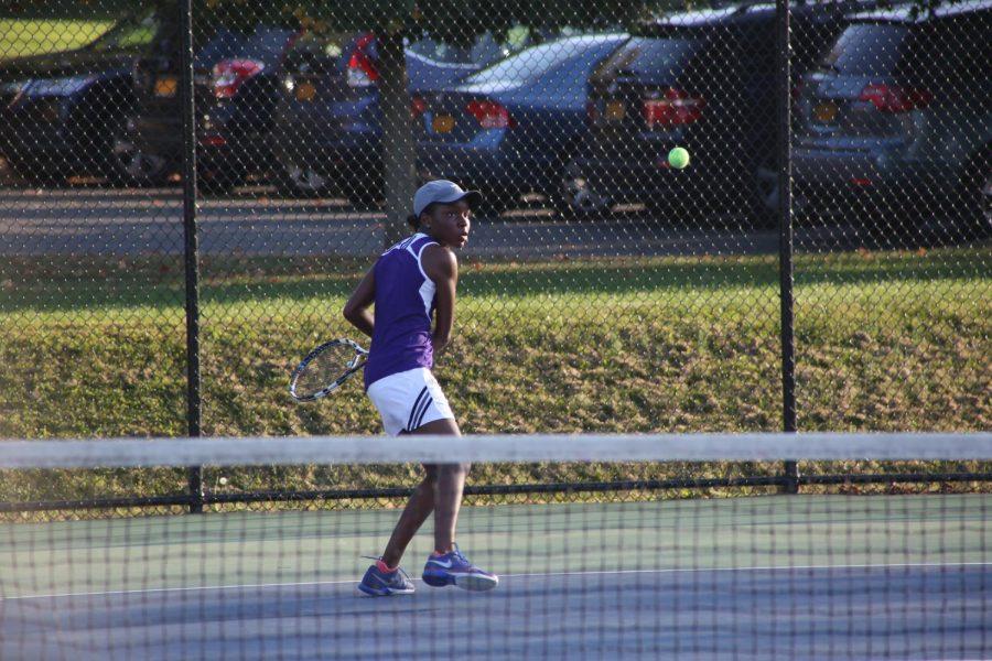 Girls Varsity Tennis switches from spring season to fall season