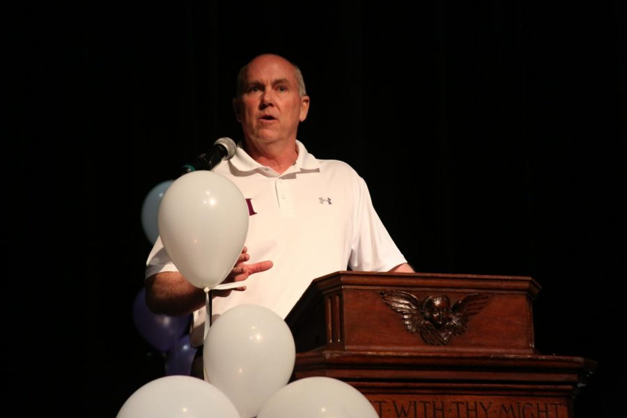 Versen announces retirement from Athletic Director position