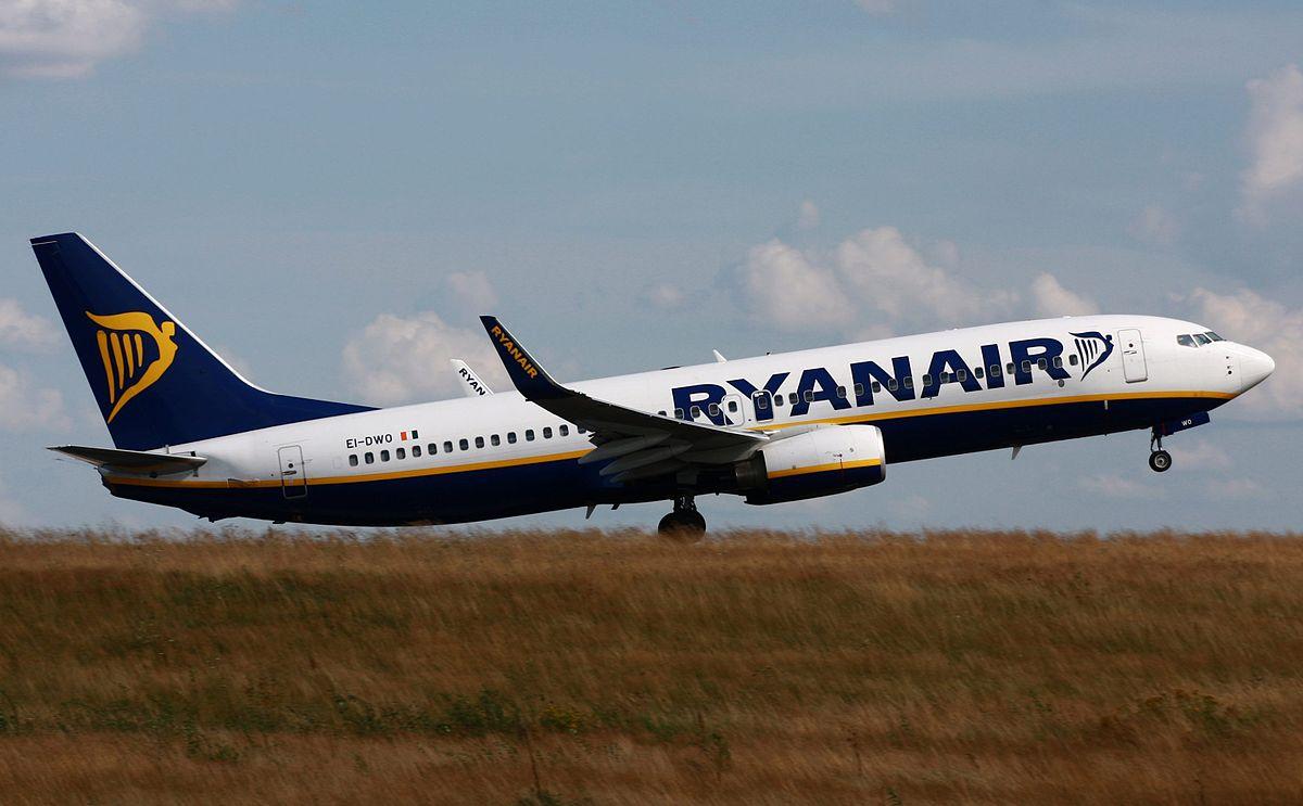 Wo st 01/Wikipedia https://commons.wikimedia.org/wiki/File:Boeing_737-800_Ryanair_EI-DWO_EDFH.jpg