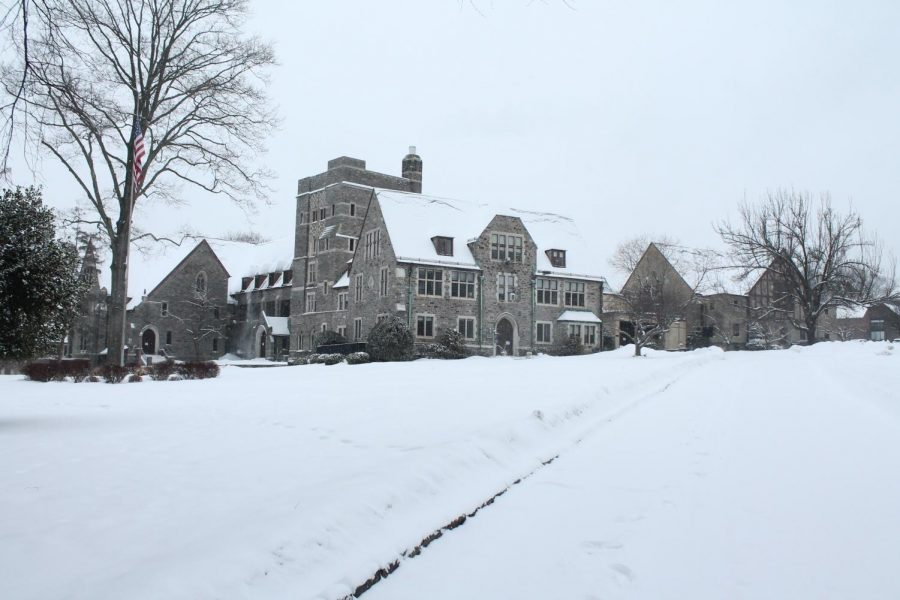 A+snowy+front+of+Masters+Hall+on+Thursday%2C+Feb.+18.